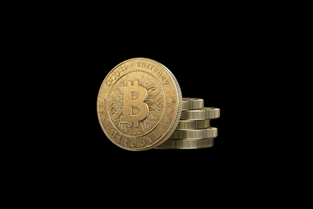 Gold coin Bitcoin on a black background. The concept of crypto currency. Blockchain technology. Imagens - 122720605