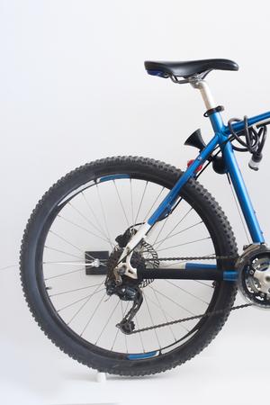 shocks: Blue mountain bike isolated on a white background
