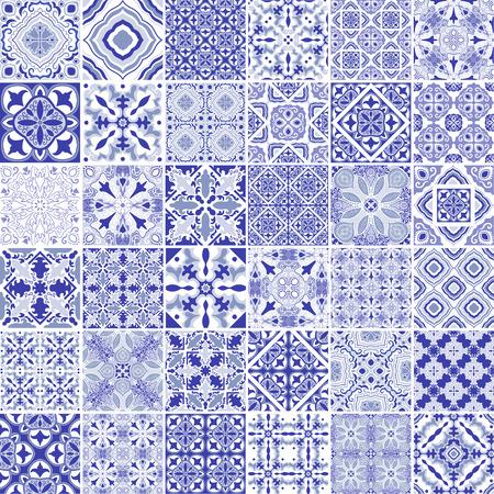 전통적인 화려한 포르투갈어 장식 타일 azulejos. 파란색 테마에서 빈티지 패턴입니다. 추상적 인 배경입니다. 벡터 손으로 그린 그림, 전형적인 포르투 일러스트