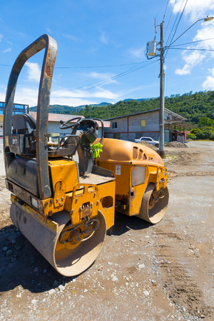 roller  compress asphalt in Boquete Panama Banque d'images