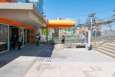 La Paz Bolivia September 9 transit of people in the arrival station of the orange cable car line. Shoot on September 2019 Reklamní fotografie