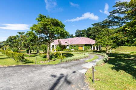 Panama Boquete villa with tropical garden in a sunny day Foto de archivo