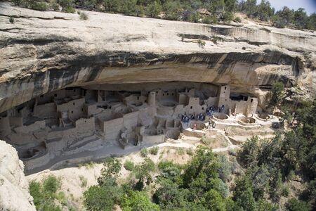abandoned cliff dwellings in Mesa Verde