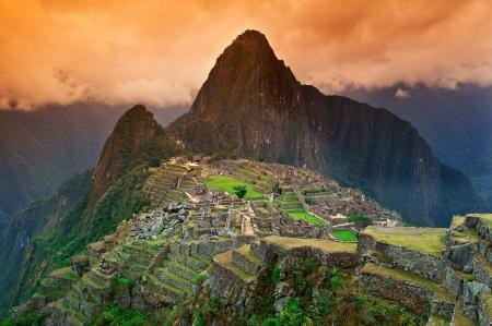 Vue de la cité perdue inca de Machu Picchu près de Cusco, au Pérou. Banque d'images - 10599106