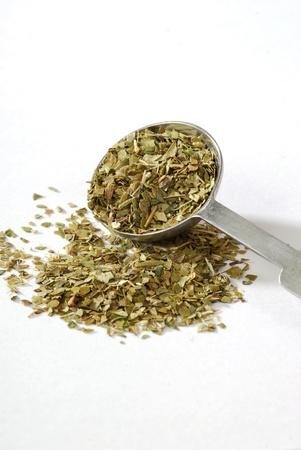 yerba mate: mesuring cuchara de té de Mate de América del Sur yerba