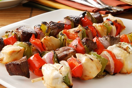 Closeup of a platter of shish kebabs Banco de Imagens