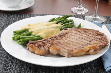 Grilled rib steak with asparagus and hollandaise sauce Stock Photo - 14601571