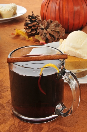 spice: Hot spice wine and pumpkin pie