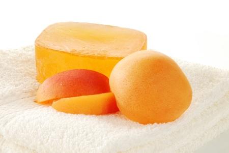 Glycerine sap with peach essence