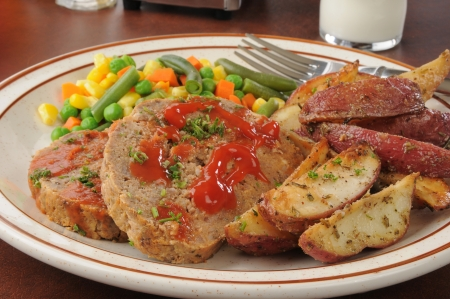 Closeup of a meatloaf dinner with potatoes and mixed vegetables Stock Photo - 16851047