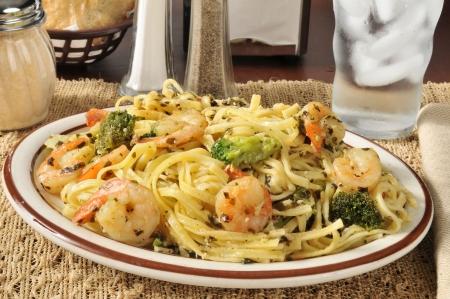 Shrimp scampi on linguine with broccoli