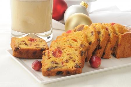 egg nog: Traditional Christmas fruit cake with egg nog
