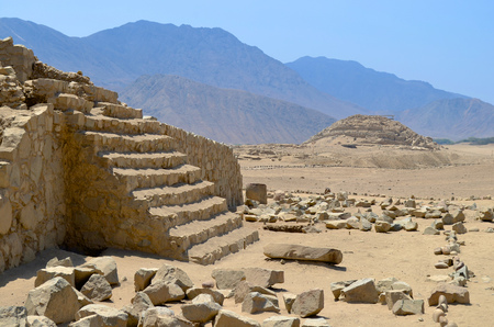 Caral,   the most ancient city in the Americas. Located in Supe valley, 200km north of Lima, Peru 版權商用圖片