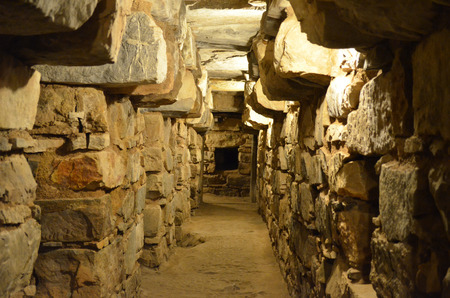Underground tunnels within the main temple of Chavin de Huantar, Ancash, Peru 版權商用圖片