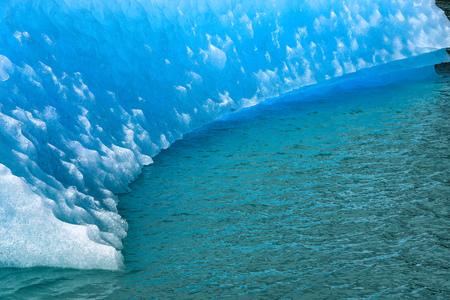 Iceberg on Lago Argentina, Perito Moreno glacier and Andes mountains, Parque Nacional Los Glaciares,  El Calafate, Argentina 写真素材
