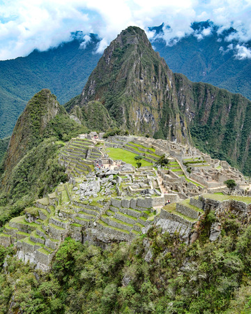 Early morning at Machu Picchu archaeological site in the Andes mountains near Cuzco, Peru 版權商用圖片