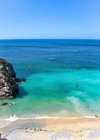 Praia Ribeira do Cavalo, a hidden beach near the town of Sesimbra, Portugal 스톡 콘텐츠 - 129484782