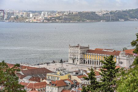 Views over Lisbon and the River Tagus from the castle of Sao Jorge, Alfama 스톡 콘텐츠 - 129484814