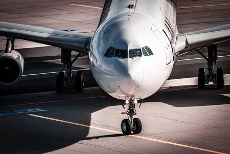 Avion, fond d'avion, vol, décollage, atterrissage