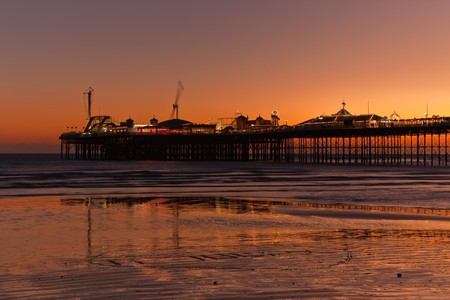britan: A photography of the brighton pier by night Stock Photo