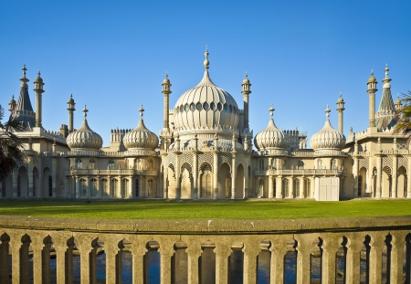 A photography of the royal Brighton Pavilion photo