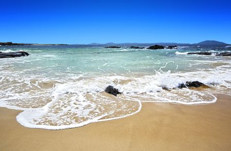 A photography of sunny beach in Australia photo