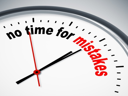 mistakes: Una imagen de un reloj bonito, con muy poco tiempo para los errores Foto de archivo