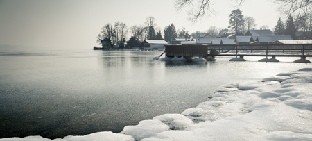fishing huts: A winter scenery at Starnberg lake in Germany
