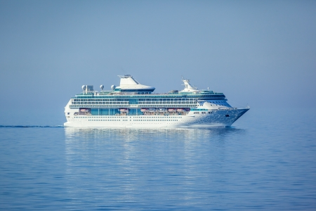 An image of a beautiful cruise ship photo
