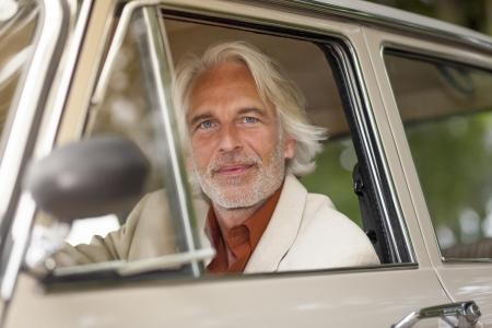 old year: L'immagine di un uomo in tuta esterno Archivio Fotografico