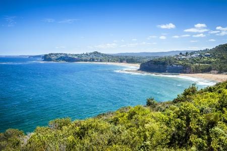 strand australie: Een afbeelding van een mooie Sydney Australië strand en de blauwe hemel