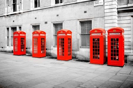 cabina telefono: Los cinco cabinas telefónicas rojas en Londres