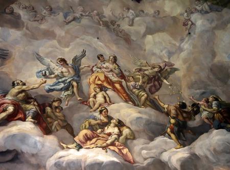 Een beeld van een mooie en prachtige fresco toont de hemel en engelen