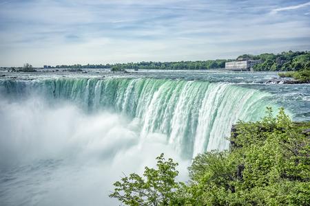 カナダ側からのナイアガラの滝の画像 写真素材