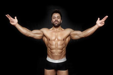 modelos hombres: Una imagen de un apuesto joven, deportiva muscular