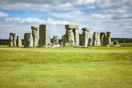 stonehenge: An image of the Stonehenge in England