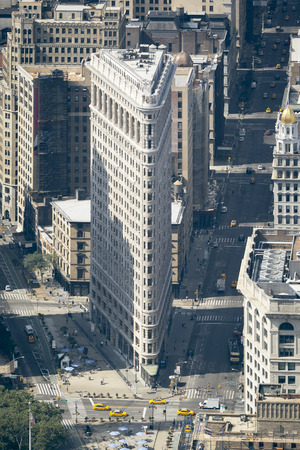 flat iron: An image of the Flat Iron Building in New York