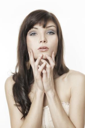ojos azules: Una imagen de un bello retrato de mujer joven Foto de archivo