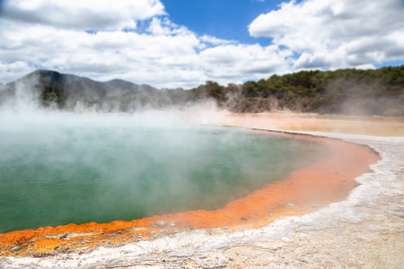 An image of the hot sparkling lake in New Zealand Stockfoto