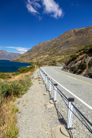 An image of the lake Wanaka; New Zealand south island
