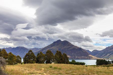 An image of the lake Wakatipu in south New Zealand