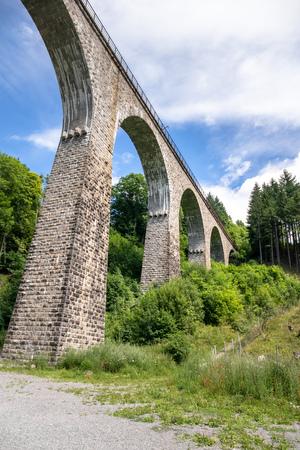 An image of the Ravenna Bridge railway viaduct on the Höllental Railway line in the Black Forest, in Breitnau, Breisgau-Hochschwarzwald, Baden-Württemberg, Germany Banque d'images - 126841816