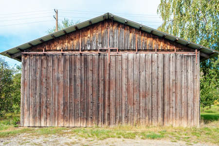 An image of a wooden agricultural hut 版權商用圖片