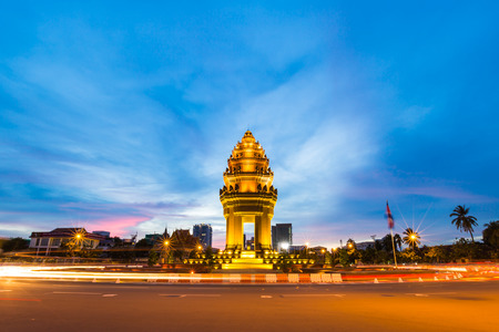 penh: Independence monument at Phnom Penh city in twilight