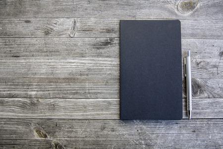 saubere weiße und leere Notebook Lizenzfreie Bilder - 47225527