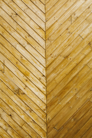 Fischgrätenlinien verwitterten Holz