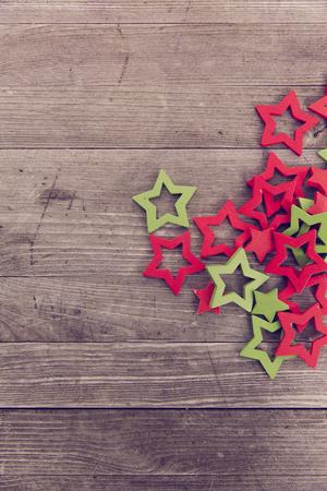 Rot grün Holz Weihnachtssterne Standard-Bild - 47226099