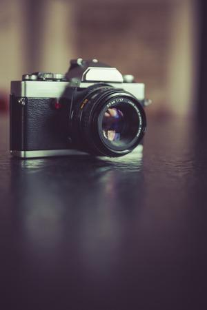 vintage, retro analog lens reflex camera Standard-Bild