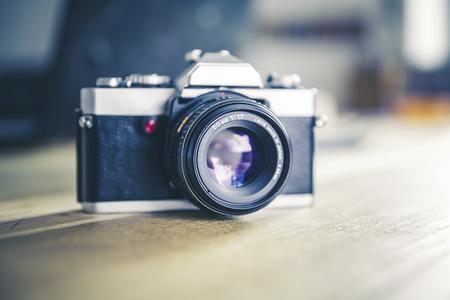 Vintage, retro analoge Spiegelreflexkamera Lizenzfreie Bilder - 61502438