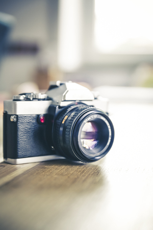 Vintage, retro analoge Spiegelreflexkamera Lizenzfreie Bilder - 61502440